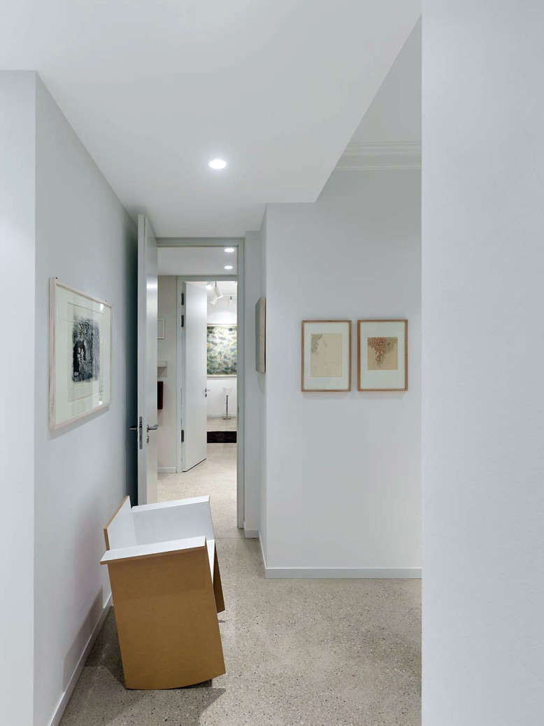apartment fs by ippolito fleitz group identity architects homedezen. Black Bedroom Furniture Sets. Home Design Ideas