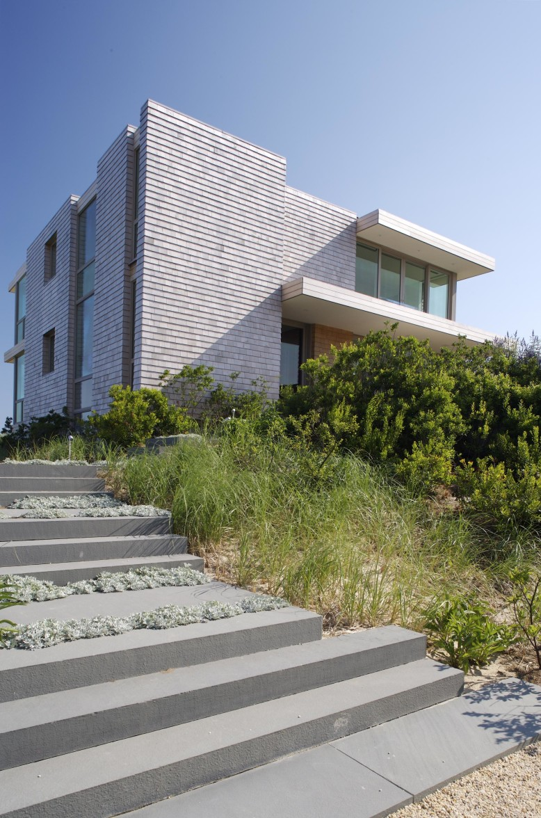 Two Story House by Stelle Architects