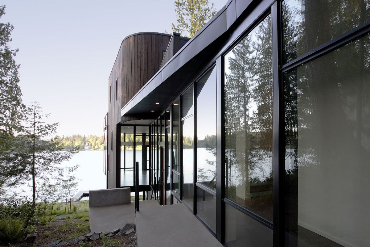 Flowing Lake Residence By David Vandervort Architects