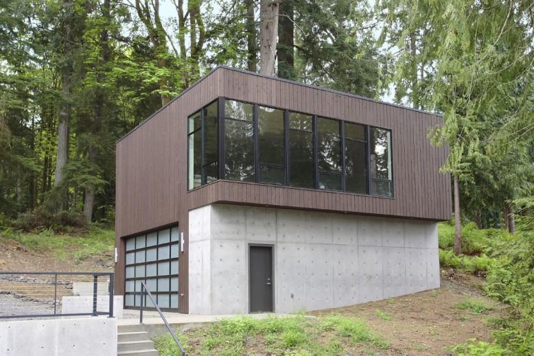 Flowing Lake Residence by David Vandervort Architects