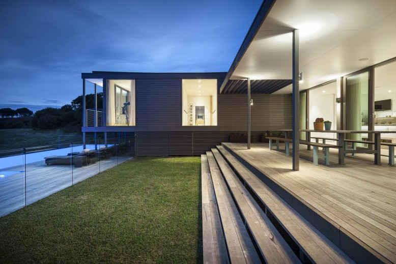 contemporary holiday house by Jam Architecture