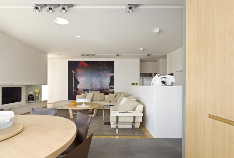 House 20 by Jolso