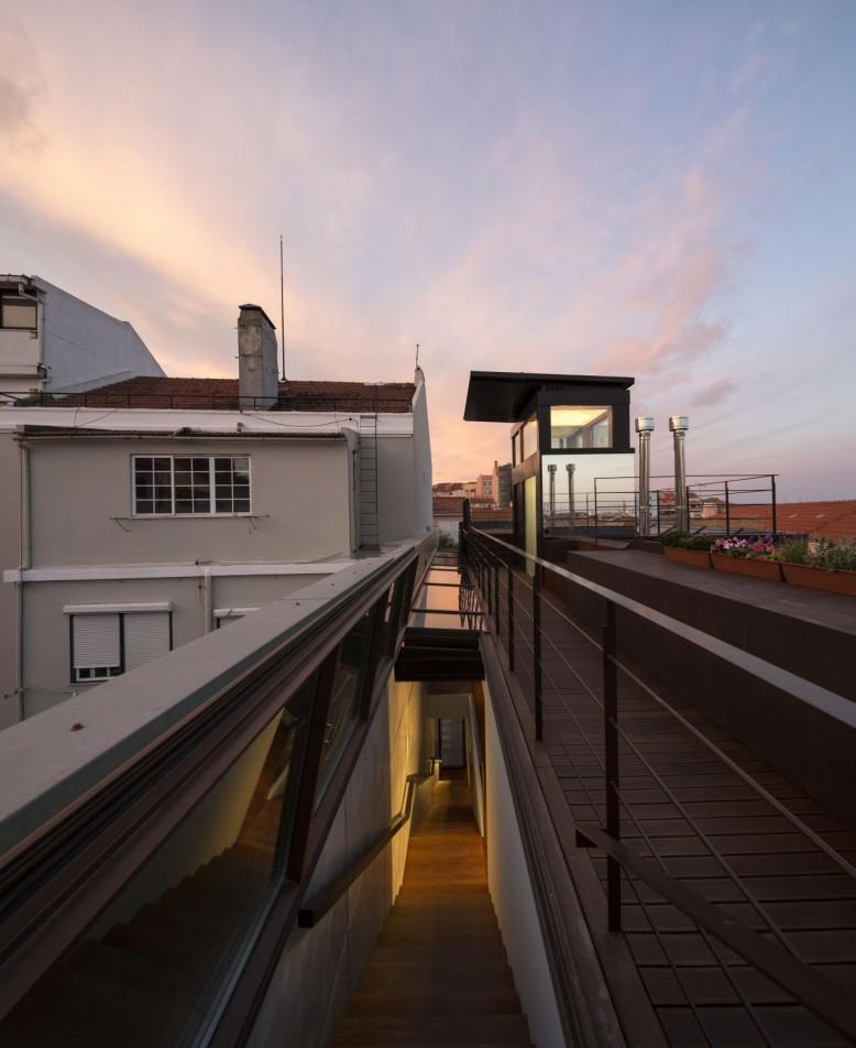 House In Travessa Do Patrocinio by Tiago Rebelo De Andrade