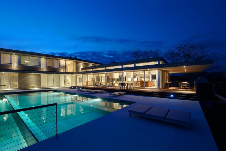 House by the Pond by Stelle Architects