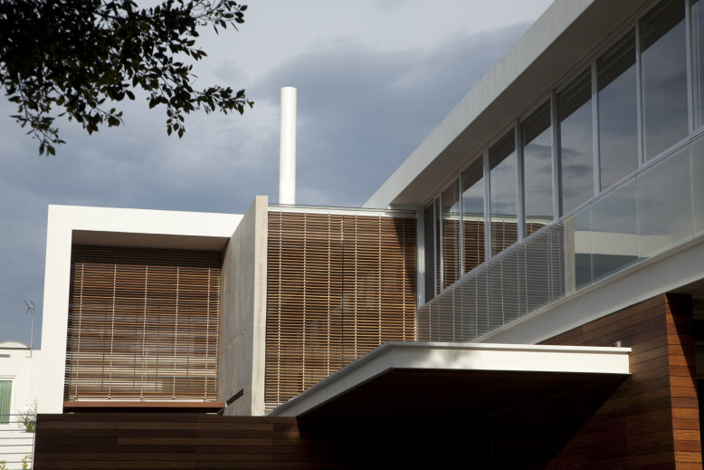 Modern house designed by Hernandez Silva Arquitectos