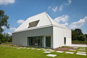 House VMVK by dmvA