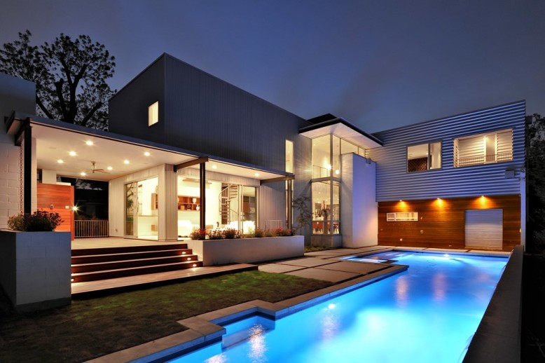 Beautiful Residence by StudioMET Architects