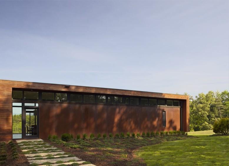 4,000 square foot contemporary home