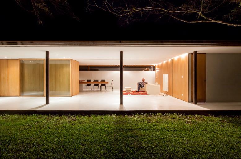 Dwellings by DURAN & HERMIDA Arquitectos Asociados