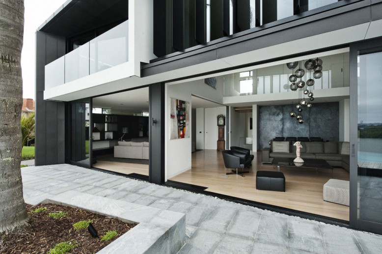 House by Daniel Marshall Architects
