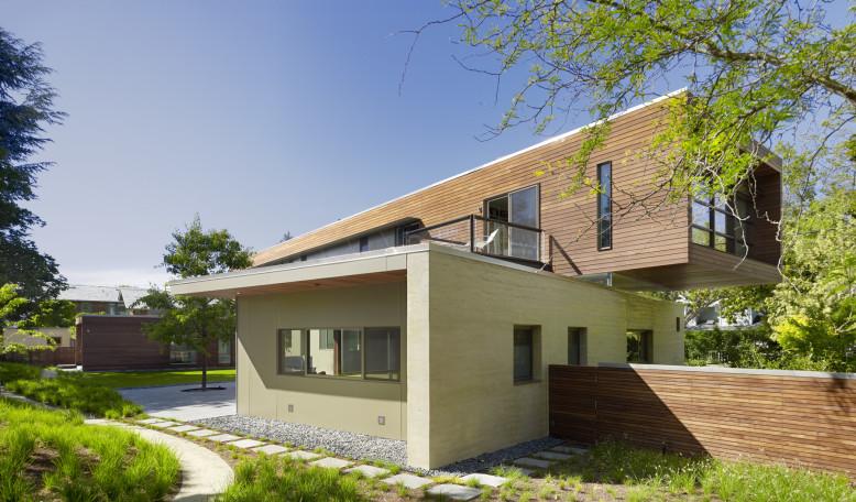 modern home located in Palo Alto, California