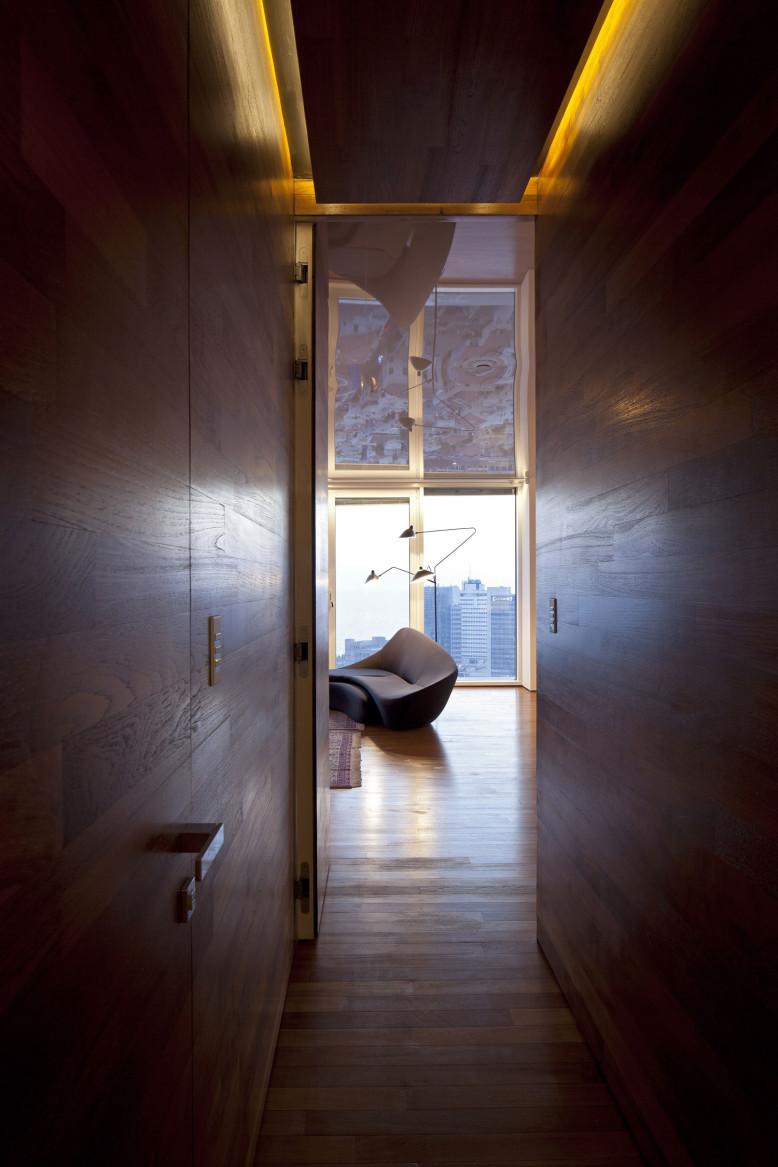 Apartment by Partizki & Liani Architects