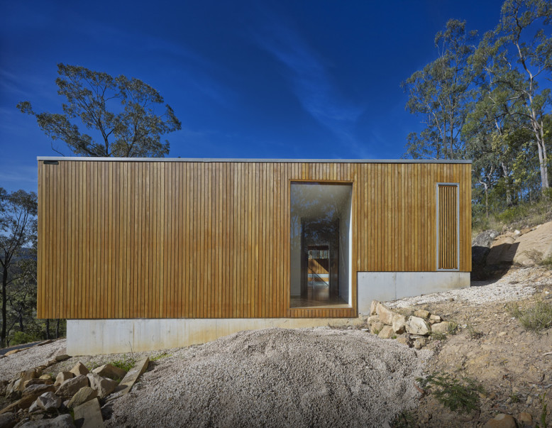 St Alban's House by Rory Brooks Architects