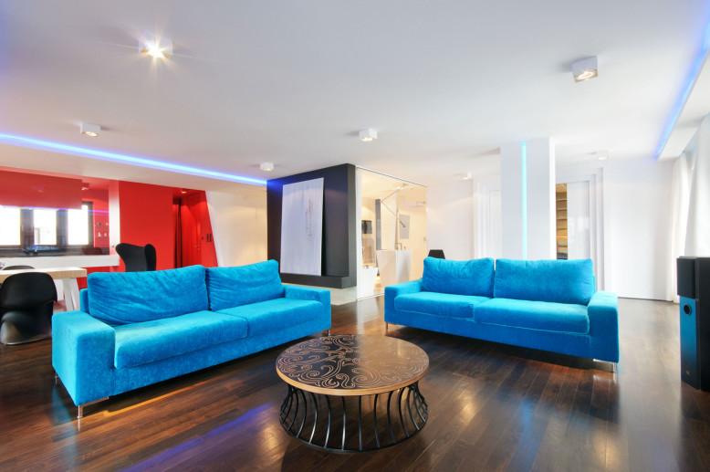 A City Center Apartment by HOLA Design