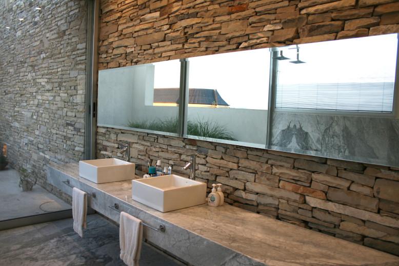Agua House by Barrionuevo Sierchuk Arquitectas