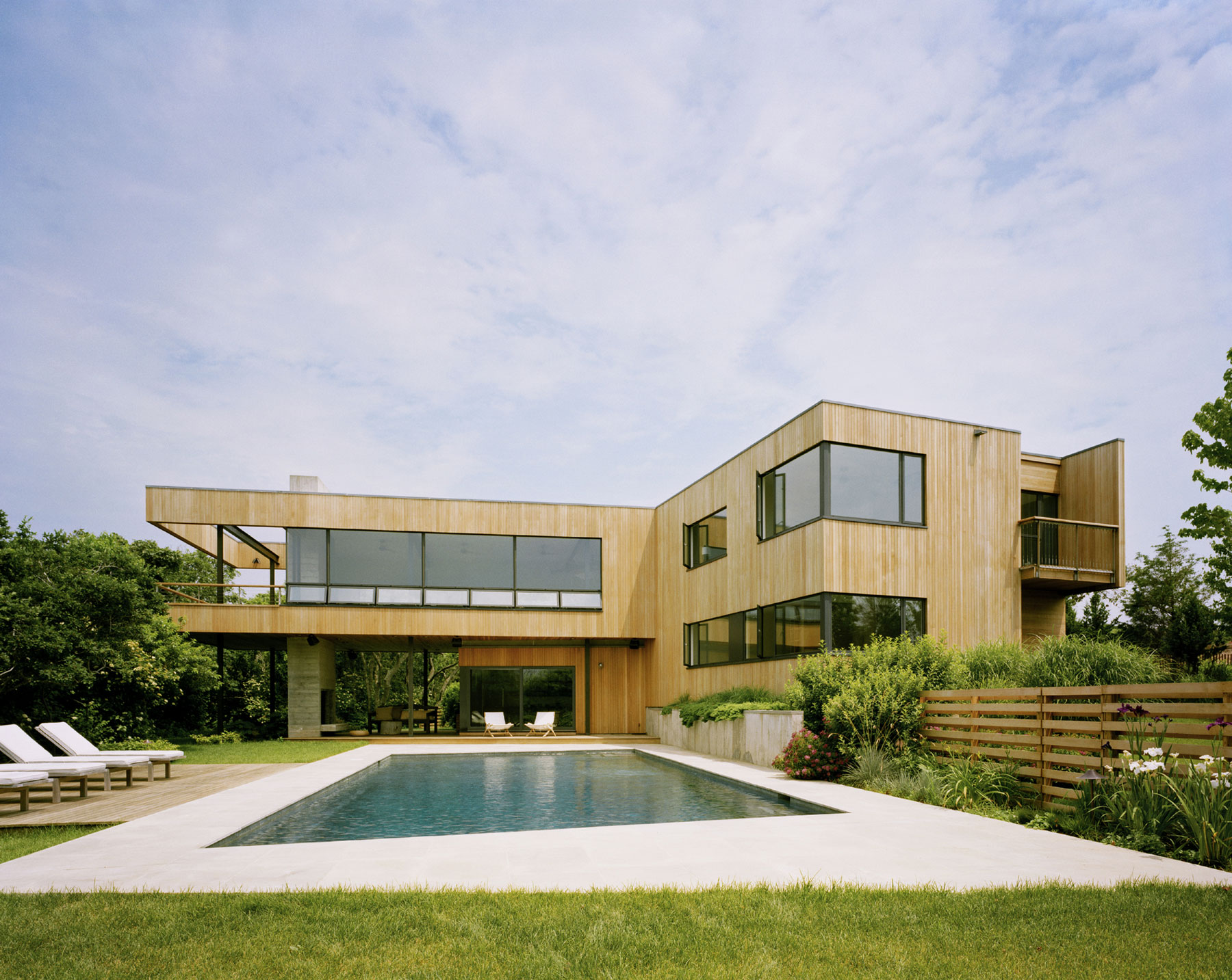 Modern vacation home · modern vacation home · modern vacation home · bluff house by robert young architecture interiors