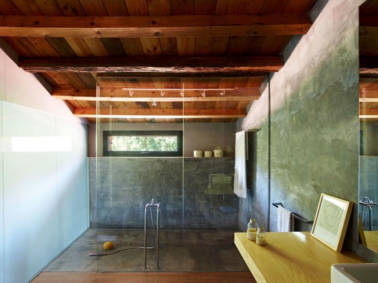 Old Stone Farm Conversion by Ferran López Roca Arquitectura