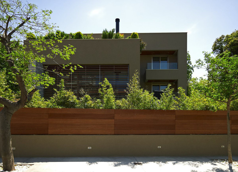 Residence in Kifisia by N. Koukourakis & Associates