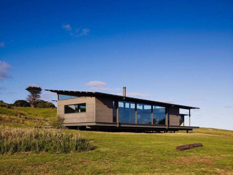 Sugar Gum House by Rob Kennon Architects