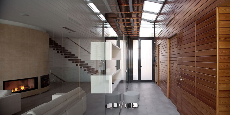 7,804 square foot modern home
