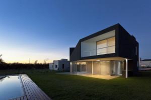 Casa Miraflores by Cekada-Romanos Arquitectos