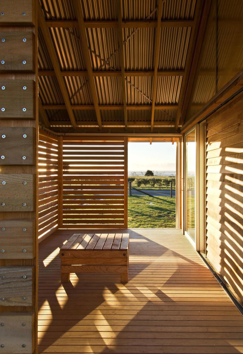 Shoal Bay Bach by Parsonson Architects