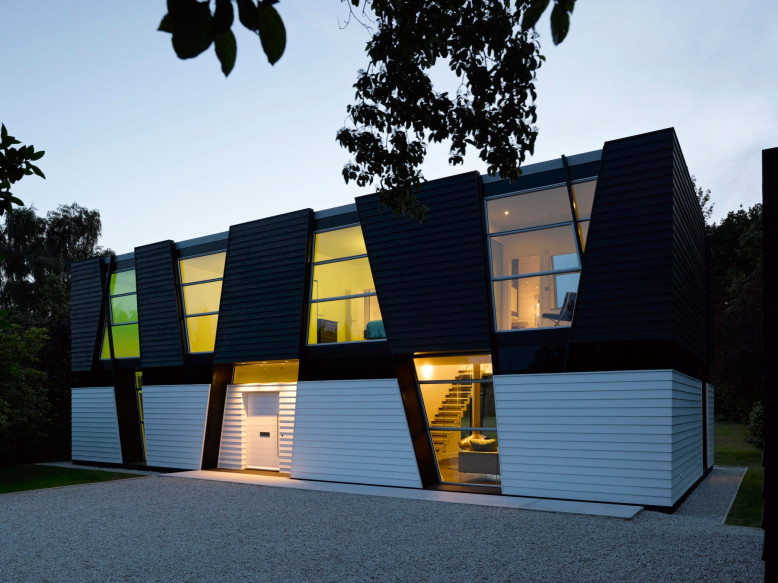 Contemporary House by Matthew Heywood