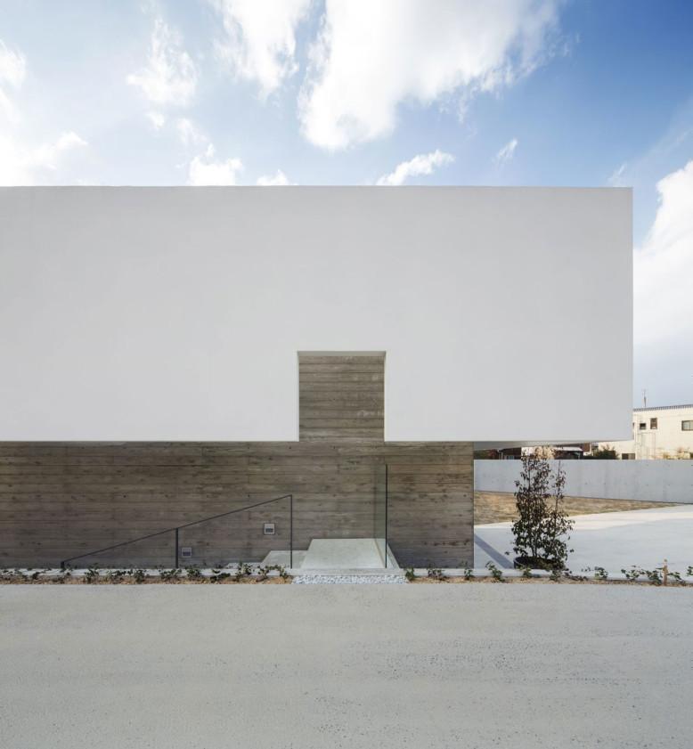 FLAT 40 by Keisuke Kawaguchi+K2-Design