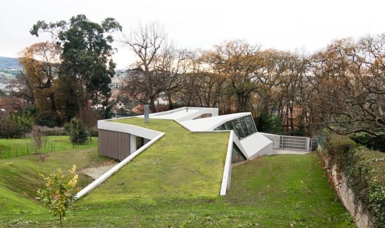 Lara Rios House & Atelier by F451 Arquitectura