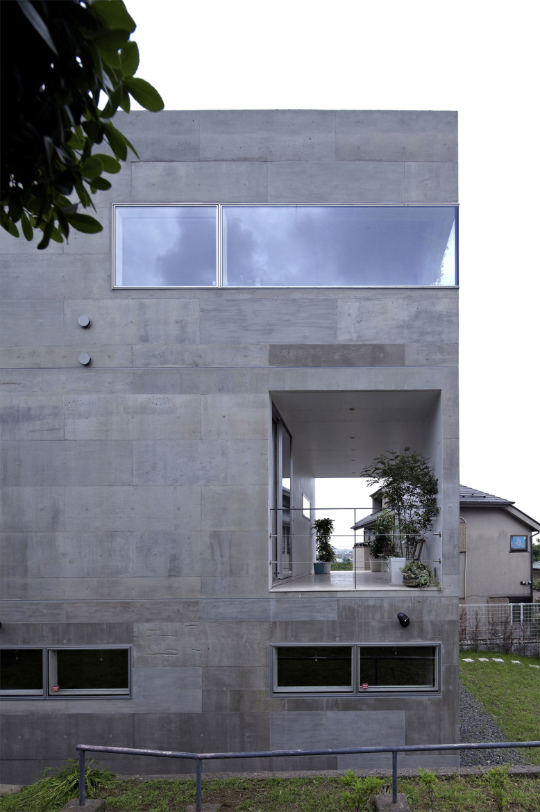 Contemporary house by no.555 Architectural Design Office