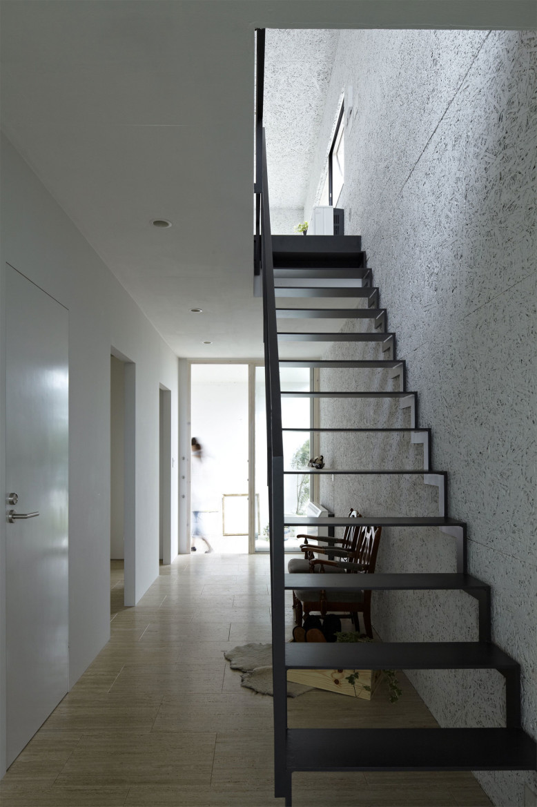 NDA by no.555 Architectural Design Office