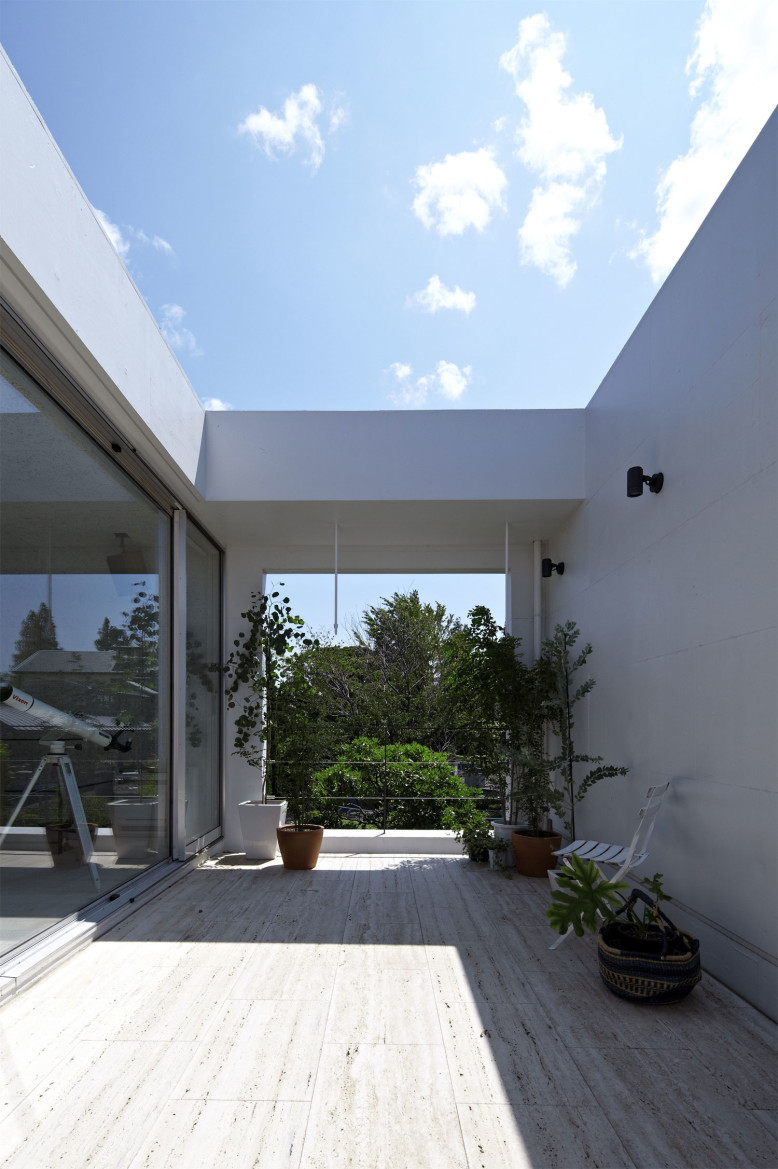 Modern Residence by no.555 Architectural Design Office