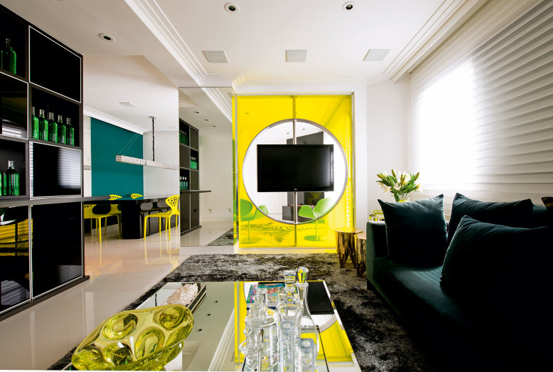 Apartment by Brunete Fraccaroli in São Paulo, Brazil