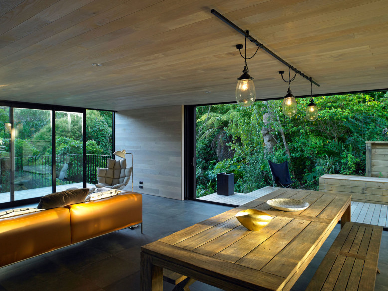 Contemporary House by Hamish Monk Architecture