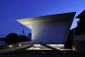 Beach House – I by Yamamori Architect & Associates