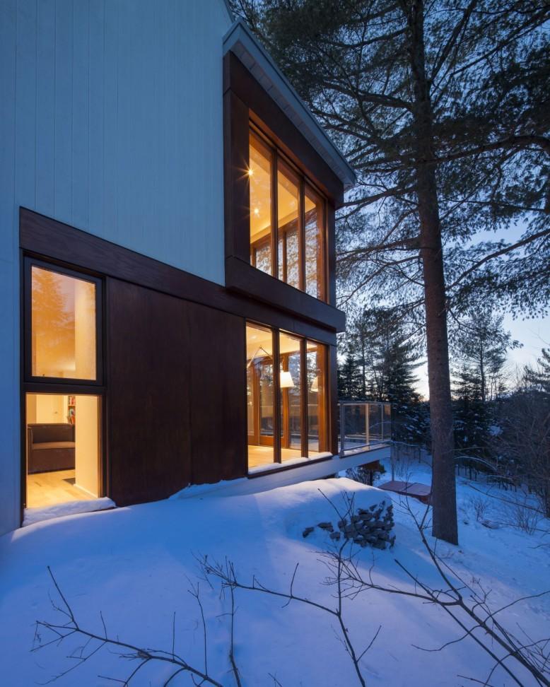 Cabane 217 by Bourgeois Lechasseur Architectes