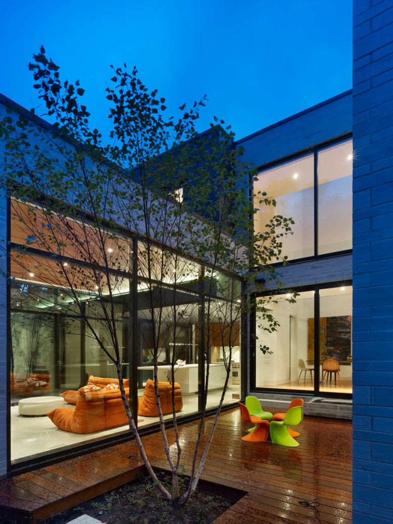 Modern Residence by Drew Mandel Architects