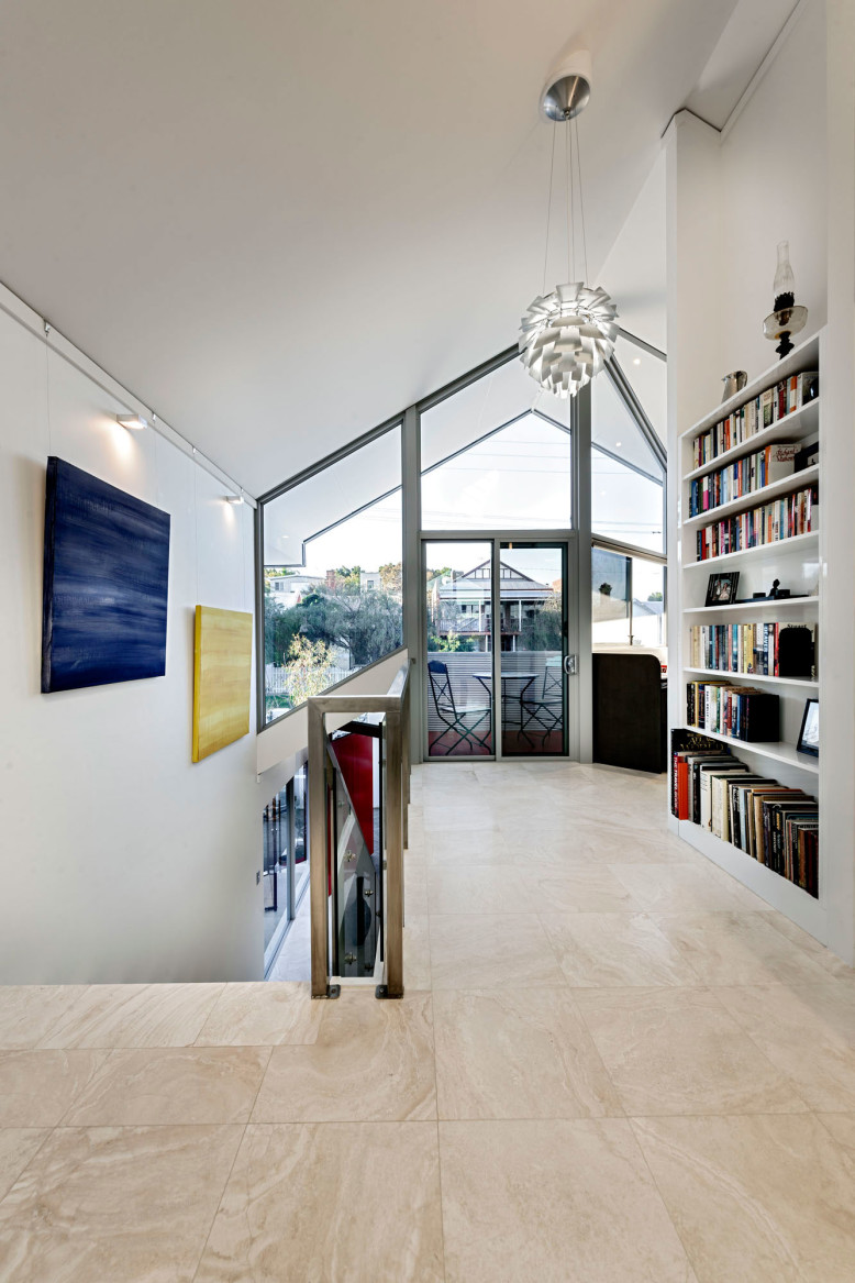Contemporary House by Cambuild