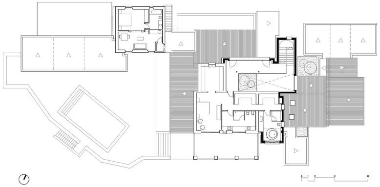Single-family home by GRAS Arquitectos