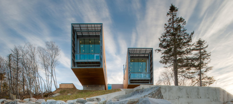 Two Hulls House by MacKay-Lyons Sweetapple Architects