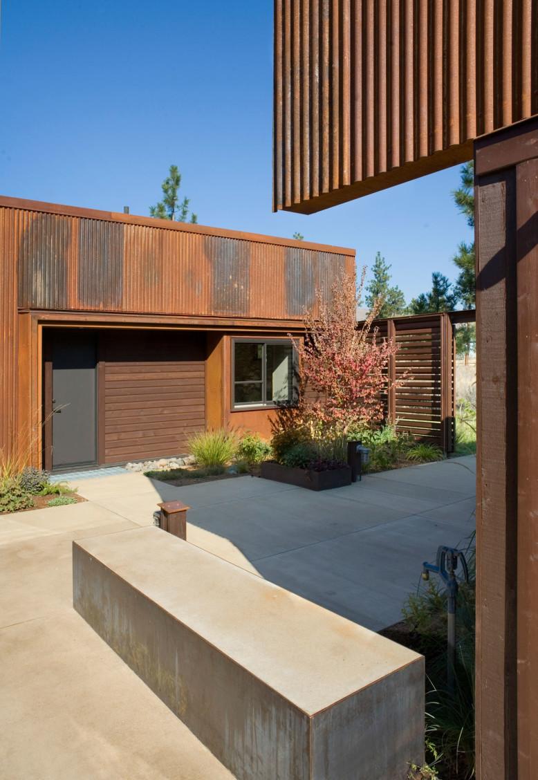 Wolf Creek View Cabin by Balance Associates Architects