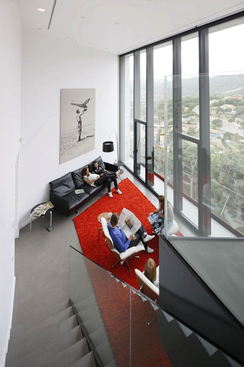 X-House by Cadaval & Solà-Morales-