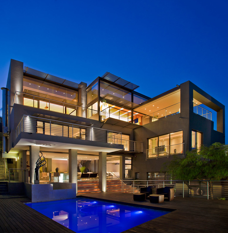 Luxury Residence by Nico van der Meulen Architects