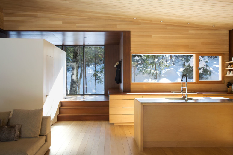 Secondary House by Yiacouvakis Hamelin Architectes
