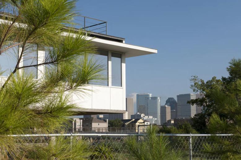Saint Emanuel House by Ronnie Self Architect