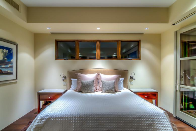 Shanholt Residence by Brissette Architects