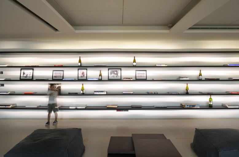 Modern Villa by Raëd Abillama Architects
