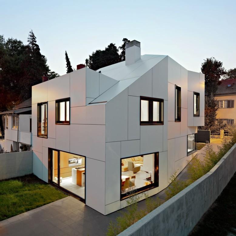 Contemporary House by DVA Arhitekta