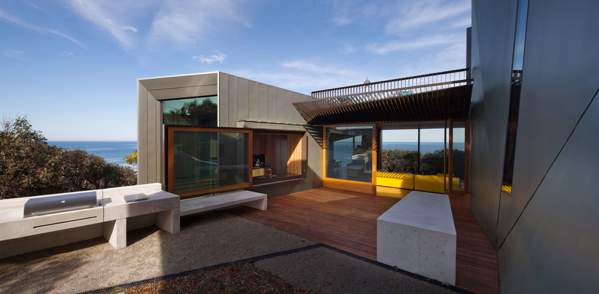 Fairhaven beach house by john wardle architects homedezen for Beach house architecture