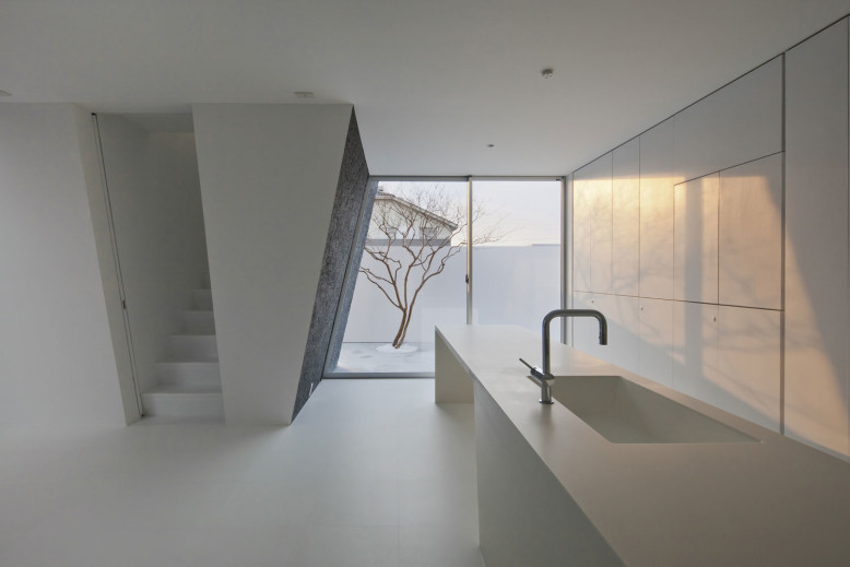 Modern House by Keitaro Muto Architects